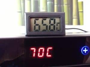 Die Temperatur im Gehäuseinneren.